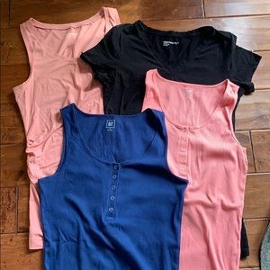 Gap maternity shirt bundle M